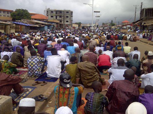 Une fête religieuse, Alpha Oumar Baldé CC doudoufine.mondoblog.org
