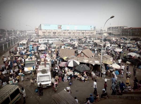 Marché de Madina, Alpha Oumar Baldé CC doudoufine.mondoblog.org