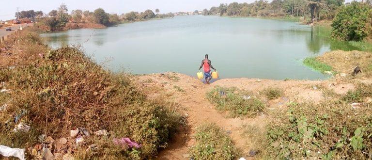 Article : Conakry : je buvais cette eau polluée !